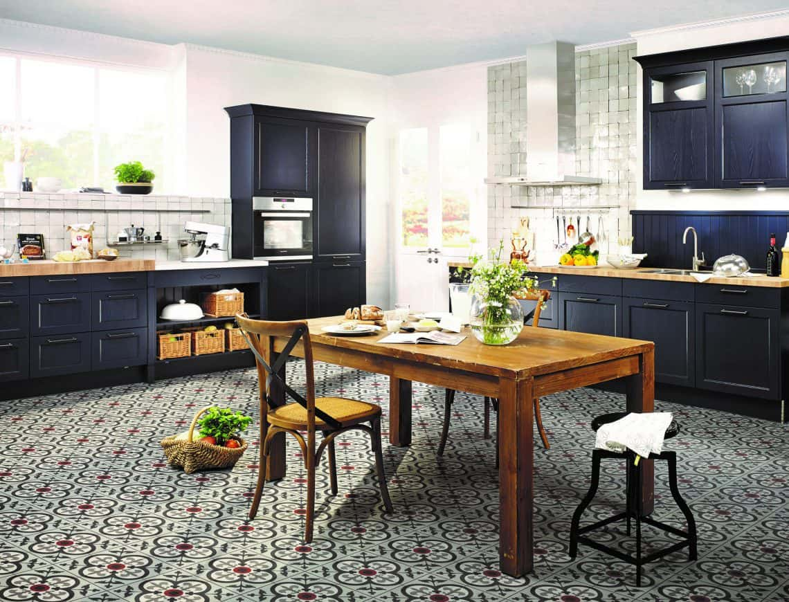 dark blue and wooden kitchen